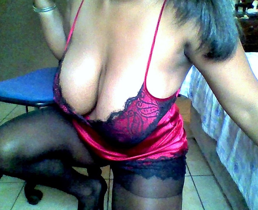 ebony cam models